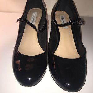 Steve Madden black patent Mary Janes. Size 11m